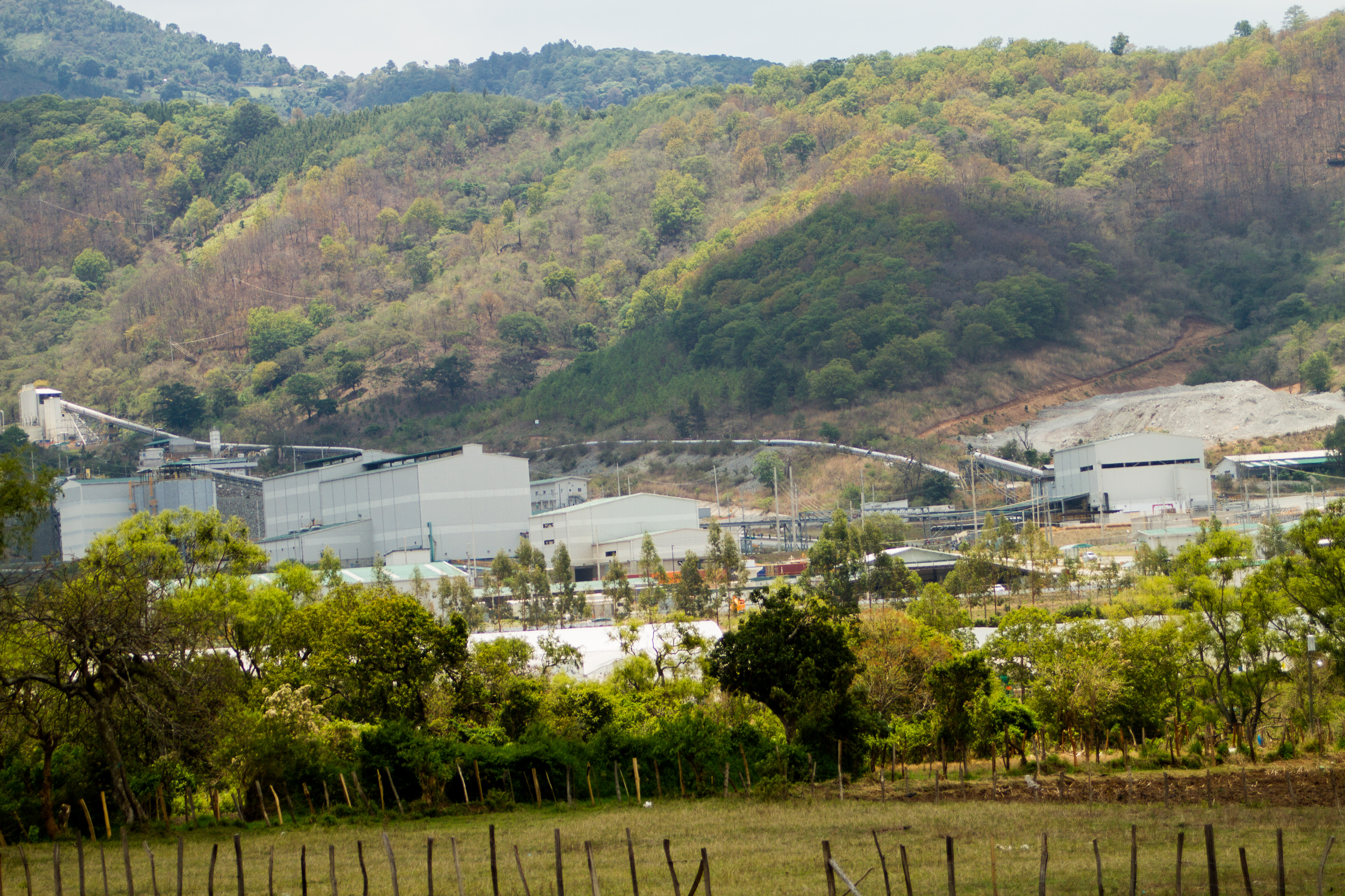 This silver mine in San Rafael Las Flores, Guatemala, was closed in 2017 by a Constitutional Court ruling in favor of local inhabitants. (Edgardo Ayala/IPS)